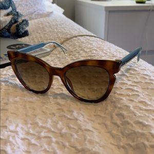 fendi lines cat eye sunglasses